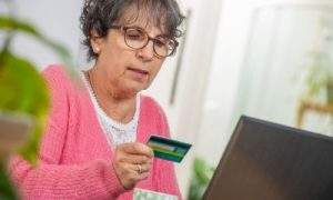 Entenda o que é o cartão de crédito consignado
