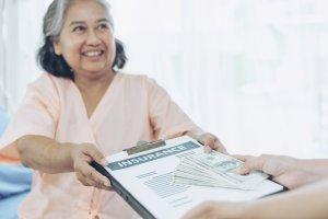 Eu posso escolher quais serviços financeiros vou oferecer na minha franquia Empresta?