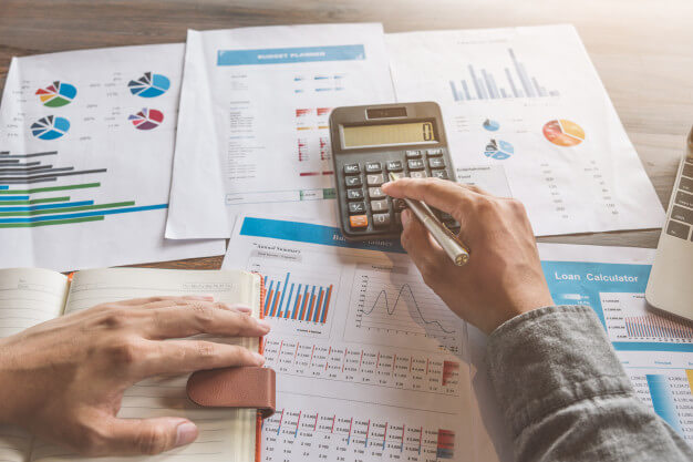 Onde investir: franquia financeira ou mercado financeiro?